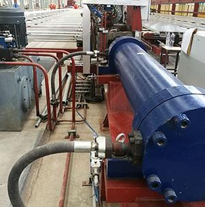 拉直机液压系统
